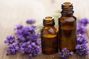 Afbeeldingsresultaat voor foto lavendel olie